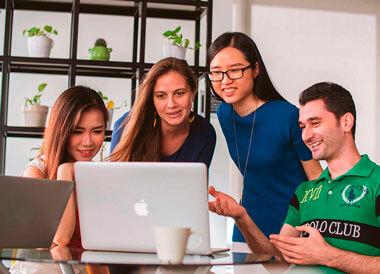 ws-estudios-en-el-exterior-ingles-de-negocios-estudiantes